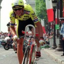 Greg LeMan scortches down the Champs-Élysées in 1989