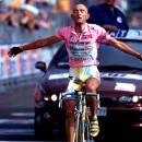 Pantani wins at Cavalese in the 1998 Giro d' Italia. Photo: Roberto Bettini