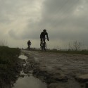 The Long Sleeve Zwarte V-Jersey on the muddy cobbles of Paris-Roubaix