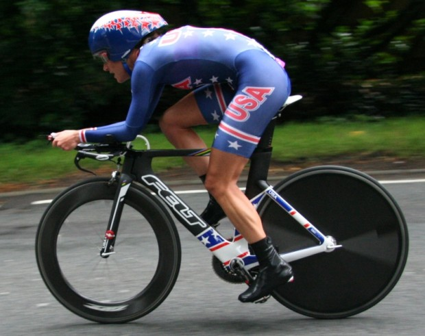 Kristin Armstrong en route to the Olympic Gold in the women's ITT.