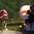 Pantani finds his power in the drops. Photo: Tom Able-Green/ALLSPORT