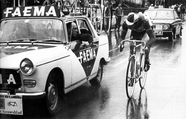 The greatest photo of the greatest Cyclist ever. Photo: Het Laatste Nieuws