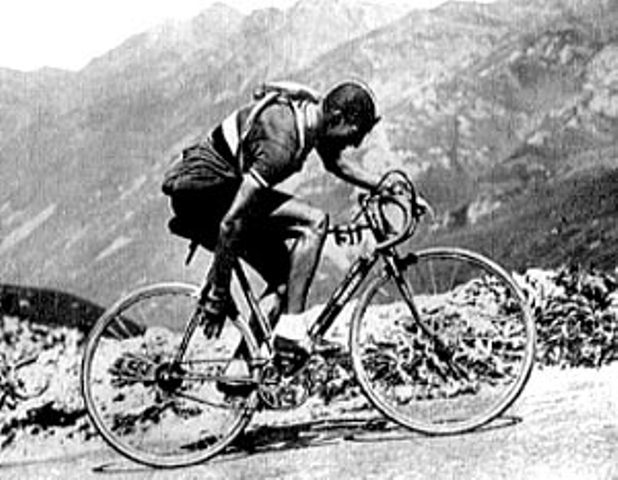 Gino Bartali looking for a gear